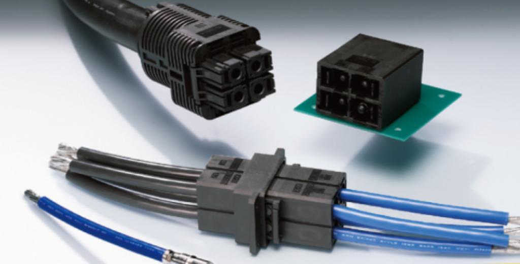 高電流対応(65A)とIP20コンプライアンスの D-7000 シリーズ