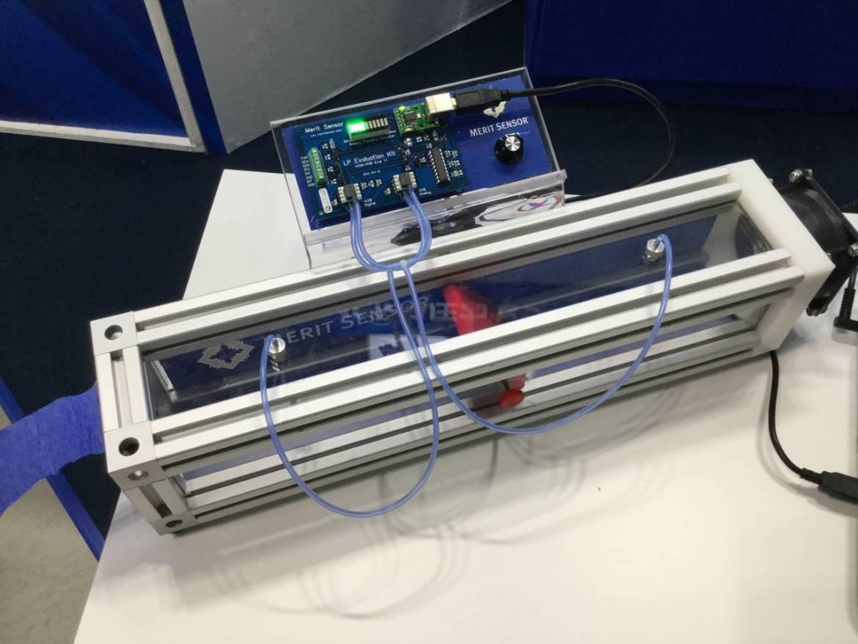 圧力を測定するデモユニットも展示されました
