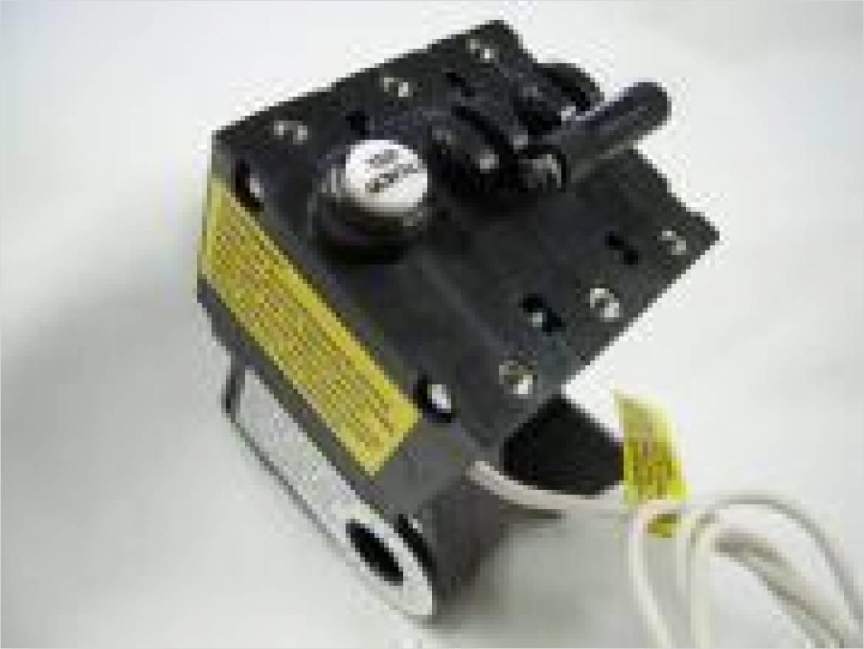 GFCI一体型サーキットプロテクタ PBシリーズ