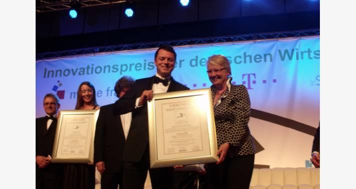 非接触給電の研究開発が認められて、ドイツの「ビジネス・イノベーション賞」を受け取る Ruffing 氏