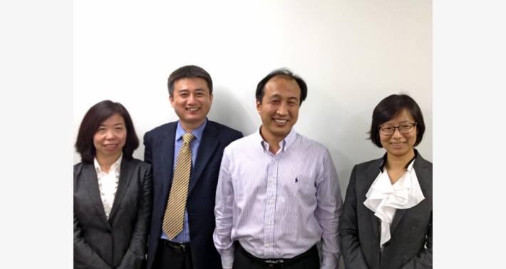 弊社に来社されたJIYA チーム(左から): 程 俊改 技術部長、Wang 総経理、湯俊虎 副総経理、方靖 セールス担当