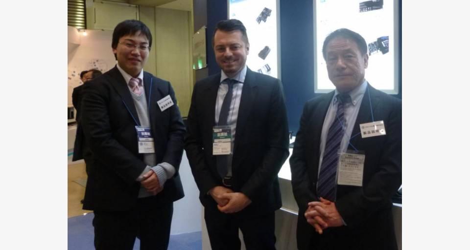 展示会のために来日した RRC 社 CEO Gerhard Ruffing 氏(中央)と弊社 RCC ライン担当とのグループ写真。