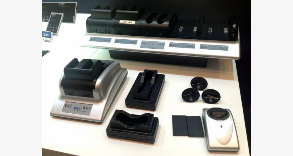 各種スマート充電器の展示
